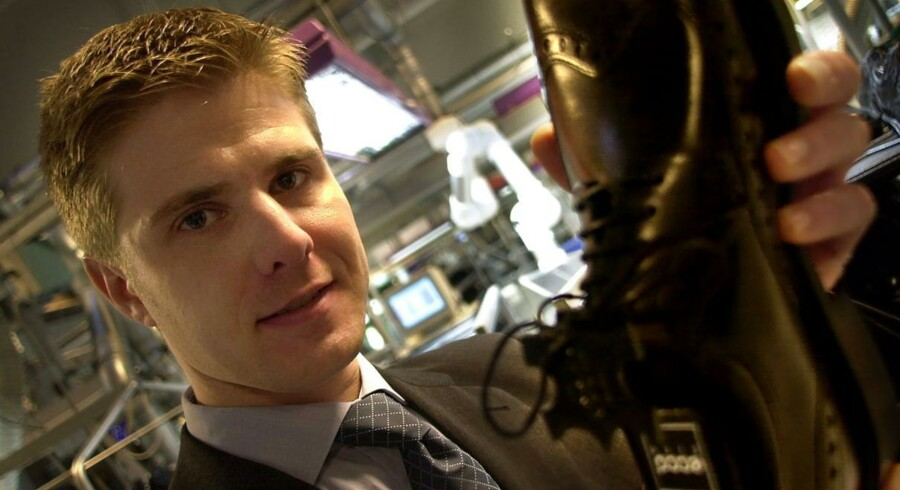 Topchefen Michael Hauge Sørensen vil sammen med den øvrige ledelse i Ecco forsøge at få de nye regler i Rusland ændret. Reglerne betyder, at børnesko kun må være lavet af naturlige materialer, hvilket udelukker blandt andet Gore-Tex og har tvunget firmaet til at lave dyre ændringer.