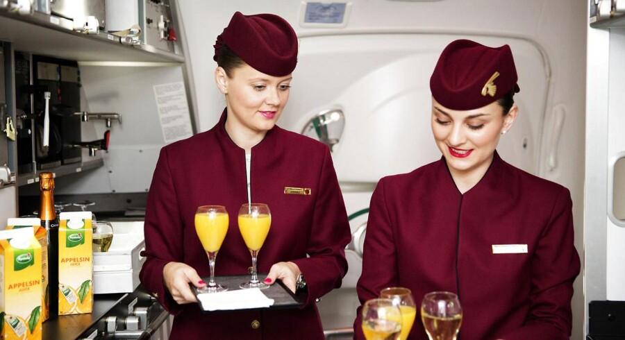 Stewardesserne hos Qatar Airways skal fortsat hentes af deres fædre, men bliver ikke længere fyret, hvis de bliver gravide. Foto: Erik Refner