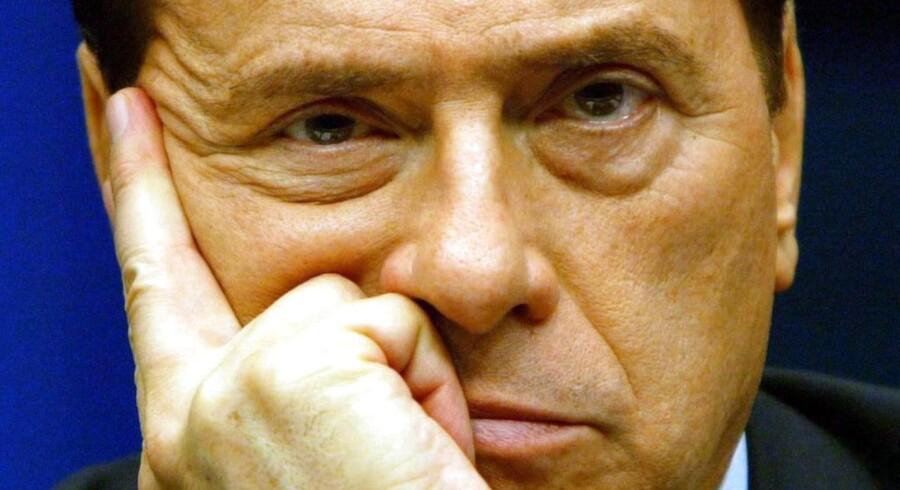 Berlusconi bryder sig ikke om at blive kritiseret. Derfor ringede han til et morgenprogram på sine egen kanal 5 for at udrede nogle misforståelser.