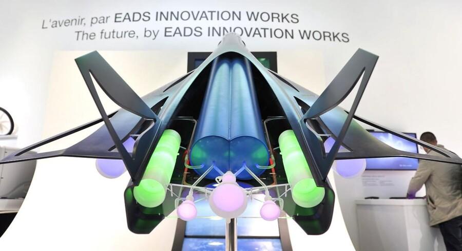 Her ses en model af Zehst-flyet til en EADS-udstilling i Paris.