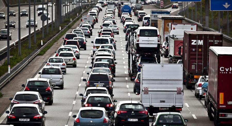 Dette syn kan møde dig, hvis du skal ud og rejse Skærtorsdag. Forskellige knudepunkter kan give kødannelser i Påske-trafikken.