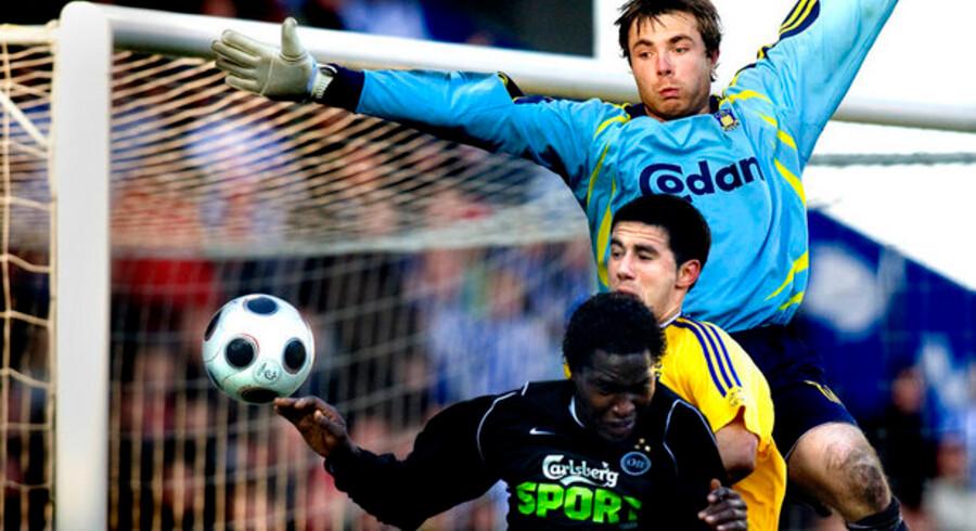 Den nye TV-kanal har blandt andet fået rettigheder til at vise superliga-fodbold. Her er det fra en kamp mellem OB og Brøndby.