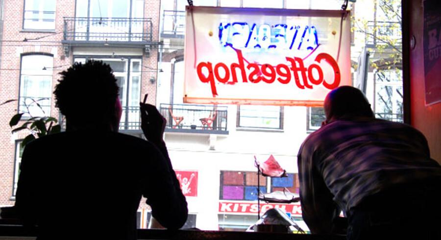 En af de berømte og berygtede coffe shops i Amsterdam, som fremover kun må sælge marihuana til de lokale.