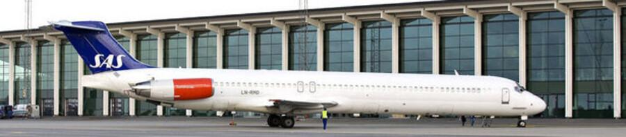 Det økonomisk hårdt plagede SAS holder juleudsalg af aktieposter i andre flyselskaber.