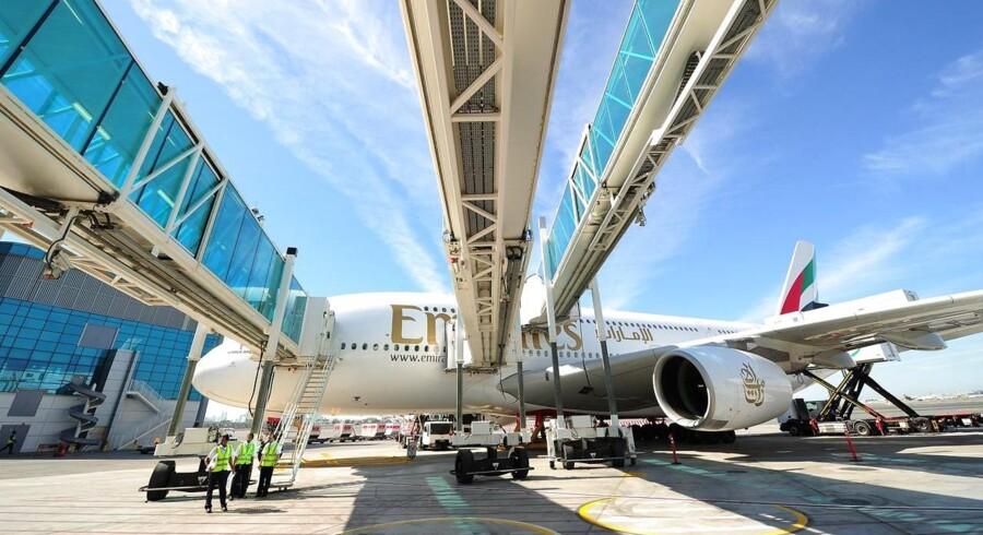 Emirates er et af de luftfartsselskaber, der satser på kæmpeflyet Airbus A380. Her i den internationale lufthavn i Dubai.