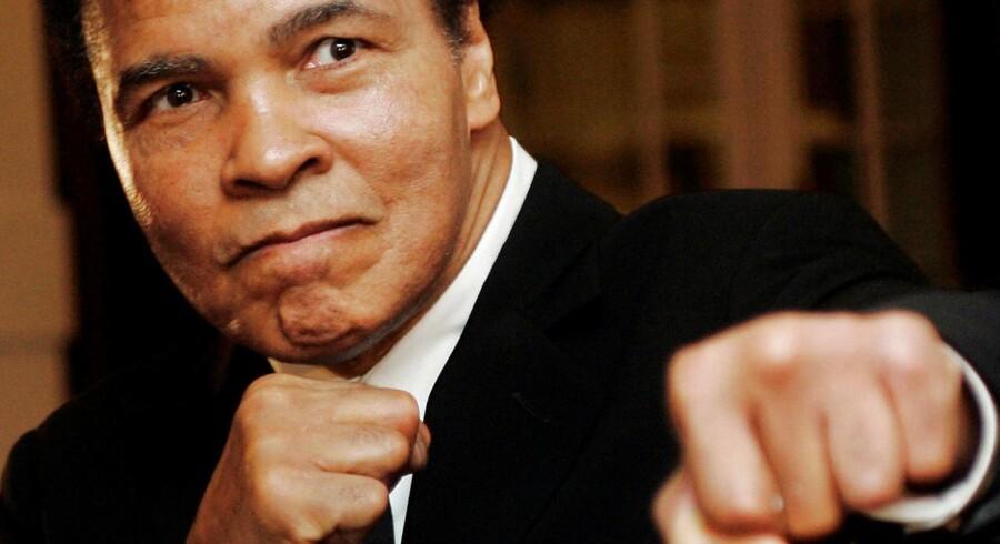 Den amerikanske mesterbokser Muhammad Ali er død, 74 år gammel. Foto fra 2006.