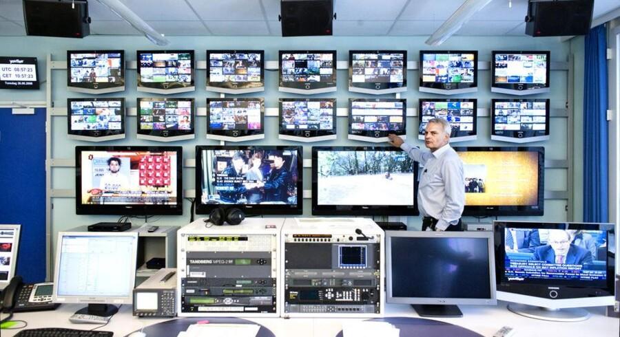 YouSees tekniske direktør, Jørgen Michaelsen, i kontrolrummet, hvor de stadig flere TV-kanaler, større brug af internetforbindelsen og øgede interesse for f.eks. at leje film over nettet skærper kravene til forbindelserne. Arkivfoto: Jens Nørgaard Larsen, Scanpix