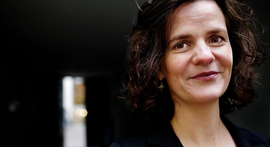 Camilla Hersom (R).