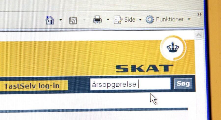 Næsten to millioner danskere har i weekenden været omkring Skats netsider for at tjekke deres årsopgørelse.