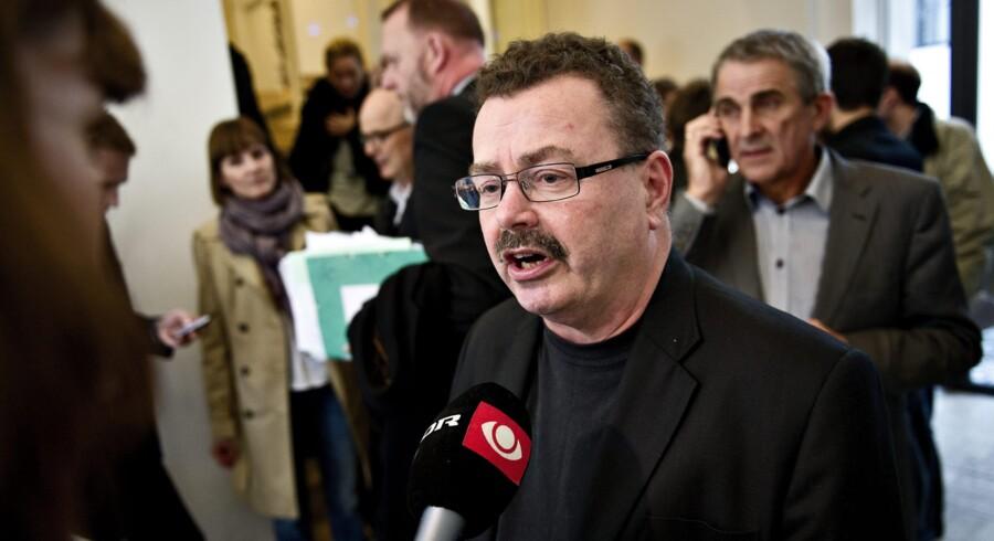 Enhedslistens gruppeformand,Per Clausen, tror fortsat på revolutionen, men erkender, at der er langt mellem Enhedslistens visioner og den politik, partiet dagligt udøver.