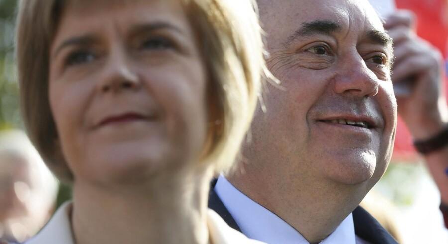 Skotlands førsteminister Alex Salmond (th.) og hans næstkommanderende, Nicola Sturgeon, kan skimte et skotsk »ja« til uafhængighed forude. Foto: Paul Hackett