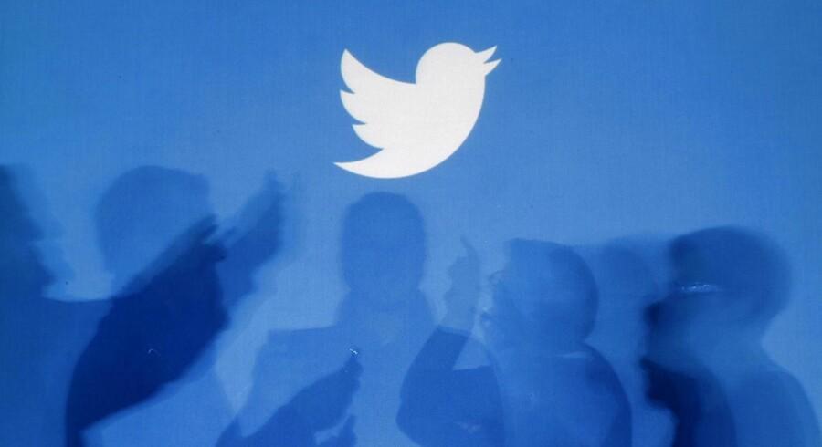 Historien om, hvordan den sociale mikroblogtjeneste Twitter egentlig blev til - og særligt hvordan ideen opstod og hos hvem - er kommet i nyt lys, efter en The New York Times-journalist har skrevet en bog om selskabets historie - og udgivet et uddrag herfra inden lanceringen 5. november.