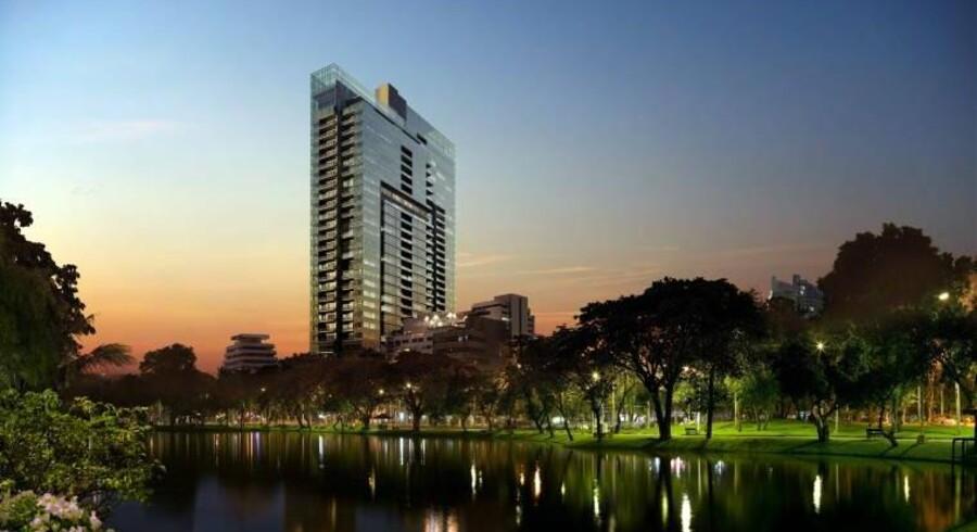 Luksusbyggerier som 185 Rajadamri sætter for tiden rekord på Bangkoks boligmarked. På det mindre foto et kig ind i en af lejlighederne, der sælges for op til 90.000 kr. pr. kvm.