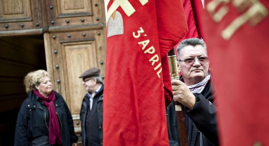 3F demonstrerer uden for Arbejdsretten i forbindelse med sagen om Vejlegården