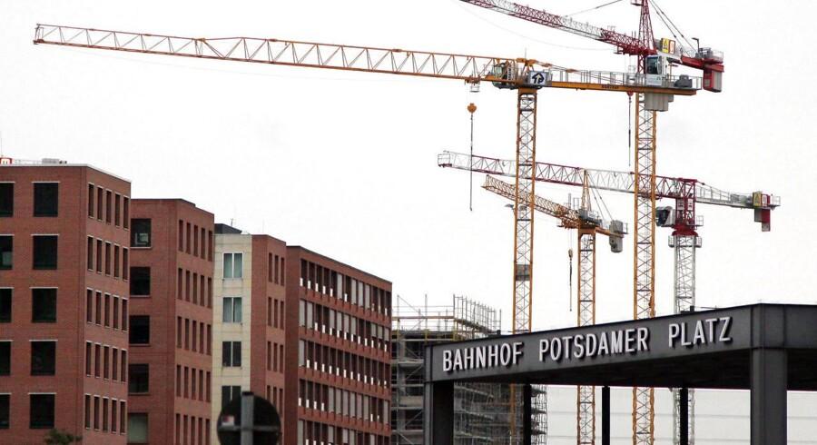 Byggeplads med kraner ved Postdamer Platz.