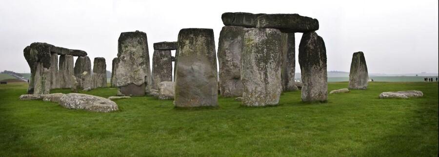 Stonehenge blev hverken bygget af rumvæsner eller ægyptiske nomader.