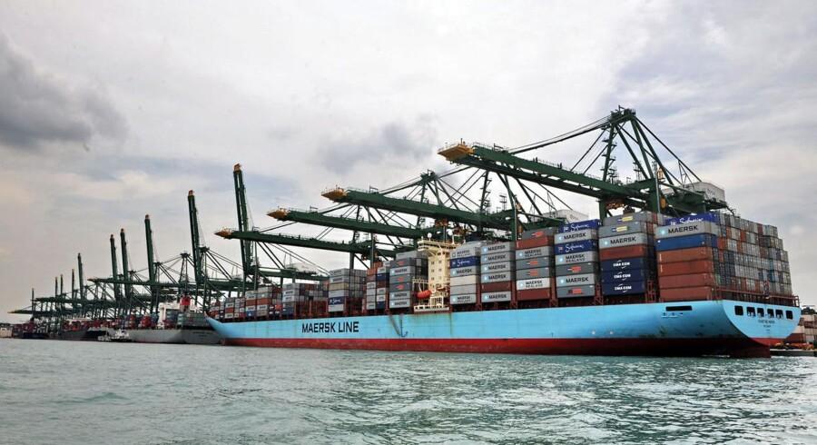 Maersk Line-skib i Pasir Panjang-havnen i Singapore