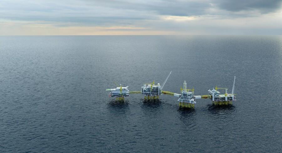 Johans Sverdrup-felt, der ventes at indeholde indtægter for 1.150 mia. danske kr., er delt mellem fem olieselskaber med Statoil som største ejer med godt 40 pct. mens Maersk Oil har lidt mere end 8 pct.