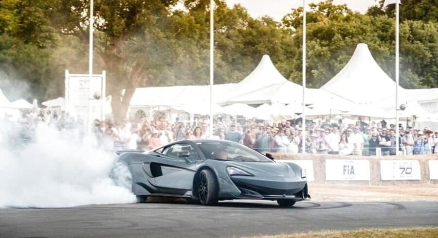 McLaren på vej op ad Hill Climb bakken på Goodwood Festival of Speed