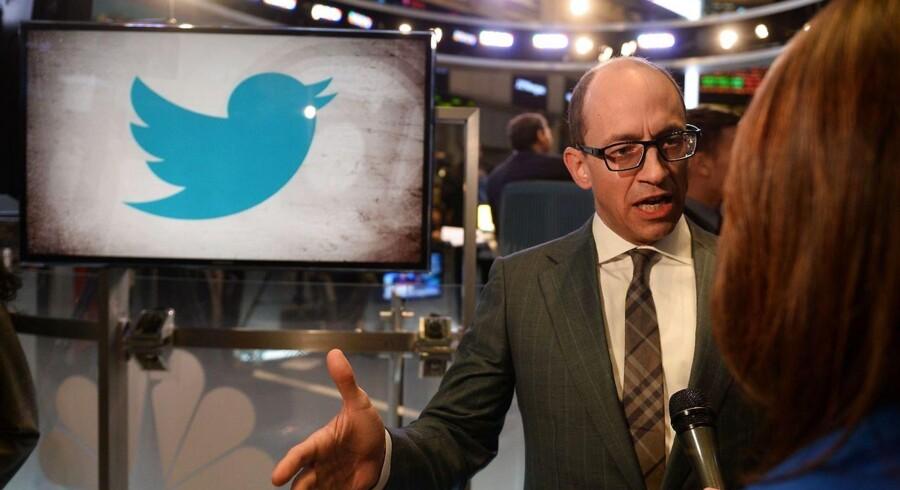 """Twitters topchef Richard """"Dick"""" Costolo fremhævede i et interview efter børsnoteringen torsdag, at Twitter er i gang med en række nye partnerskaber - blandt andet med medieselskaber - og dermed er blevet den anden skærm, hvor brugerne taler om de TV-programmer, de ser."""