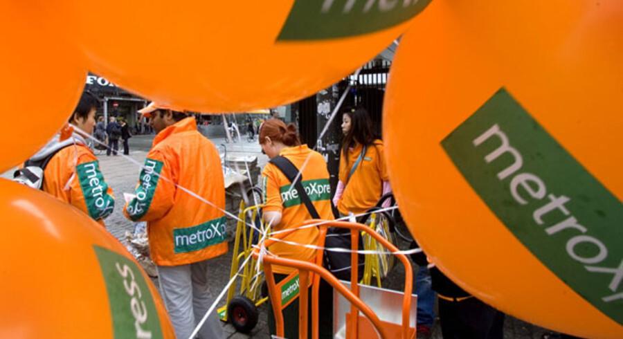 Selskabet bag gratisavisen MetroXpress, Metro International, er kommet ud af første kvartal med et underskud, der er over dobbelt så stort som forrige år.
