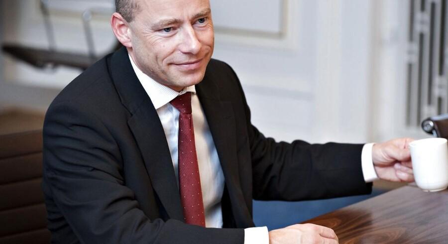 Trods kritik i en uvildig advokatundersøgelse skal tidligere DSB-chef Søren Eriksen have sit gyldne håndtryk.