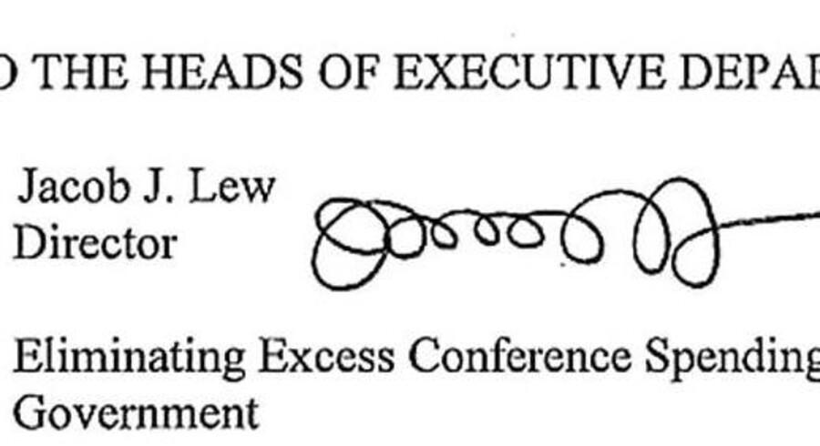 Kommende finansminister Jack Lews boblende underskrift, der har retning mod dollarsedlerne.
