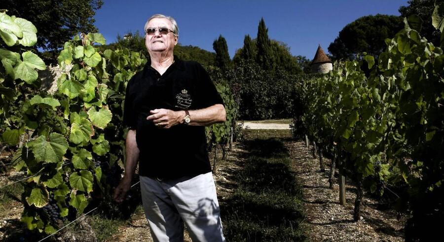 På Kongehusets hjemmeside er det netop blevet offentligtgjort, at Prinsgemalen efter 40 års produktion og salg af vine fra Château de Cayx – efter drøftelse og sammen med familien - har besluttet at bortforpagte salg og produktion af vinen til det franske firma Vinovalie.