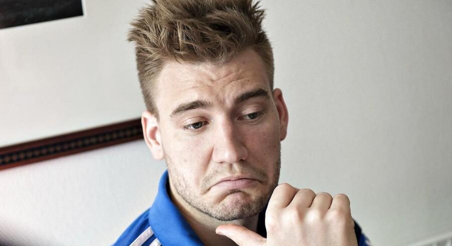 »Bendtner har det sidste halvandet år gjort så mange nye, store indhug i sin markedsværdi som fodboldspiller, at han for Wolfsbrug i dag ikke repræsenterer en værdi. Han repræsenterer kun et problem.«