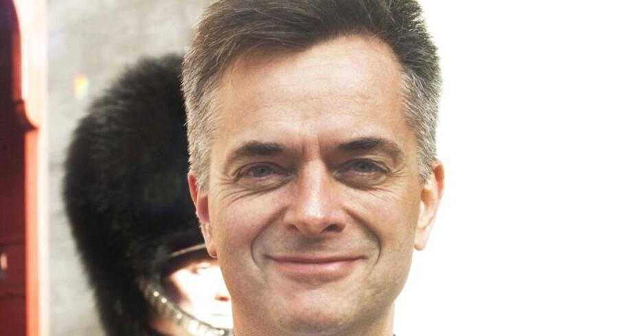Jesper Zwisler, departementschef i Ministeriet for Børn, Ligestilling, Integration og Sociale Forhold, får en advarsel af sin minister, Manu Sareen (R).