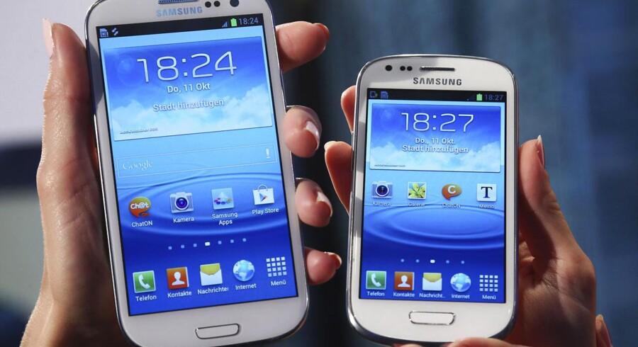 Samsung har stor succes med sine Galaxy-modeller, men firmaet forudser øget konkurrence fra billigere smartphones.