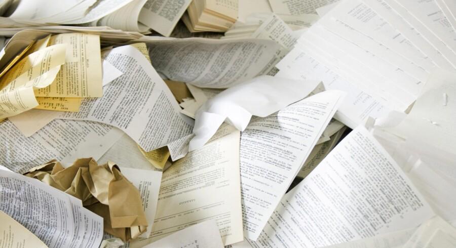 Når papiret afskaffes i det offentlige, skal dokumenter i stedet gemmes digitalt. Men i hvilket format de skal skrives, er trods fem års diskussion fortsat uafklaret - og bliver det heller ikke foreløbig på grund af valget. Arkivfoto: Colourbox