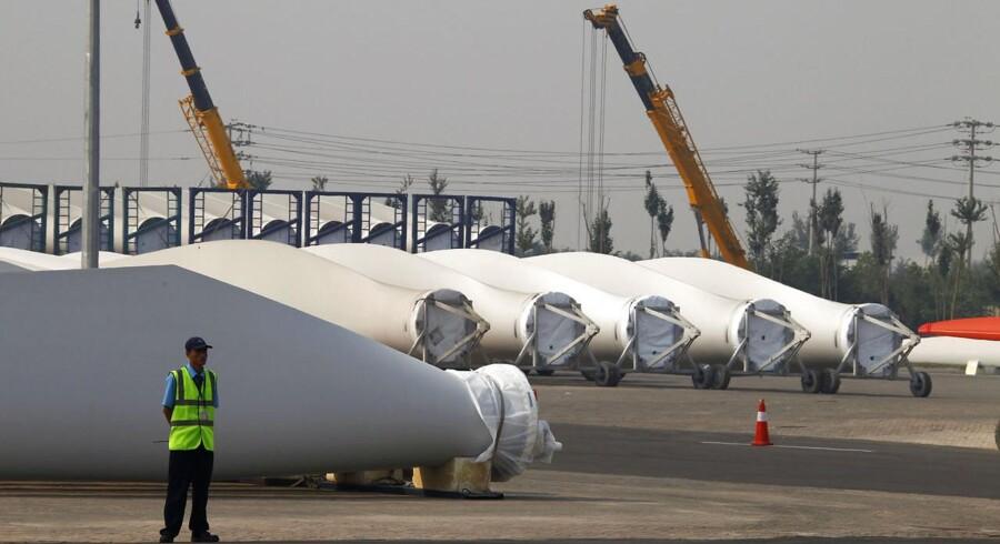 Vestas har i Tianjin fem fabrikker: En samlefabrik, en maskinfabrik og desuden fabrikker til produktion af generatorer, vinger og kontrolsystemer.