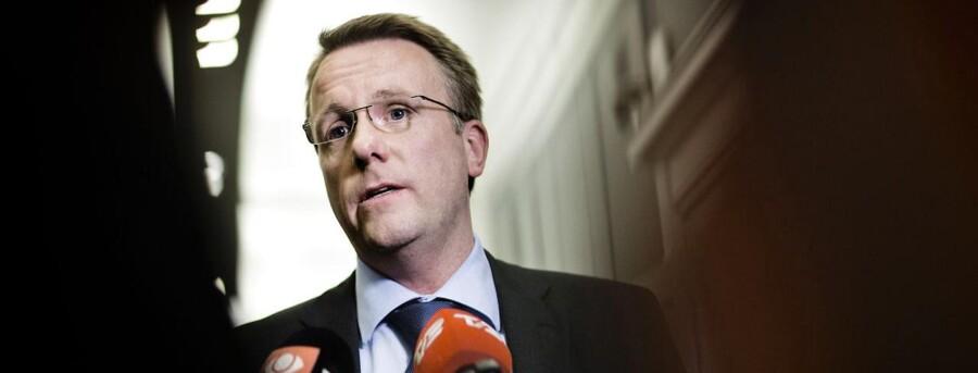 Justitsminister Morten Bødskov går i et debatindlæg i Politiken til modangreb på Dansk Folkepartis værdiordfører Pia Kjærsgaard