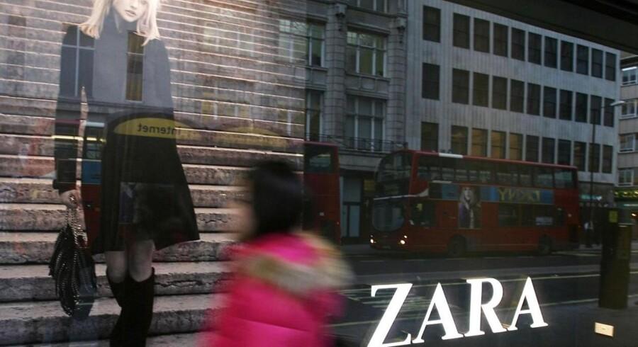 Det spanske tøjfirma Zaras fabrikker er blevet anklaget for at producere tøj på slavefabrikker.