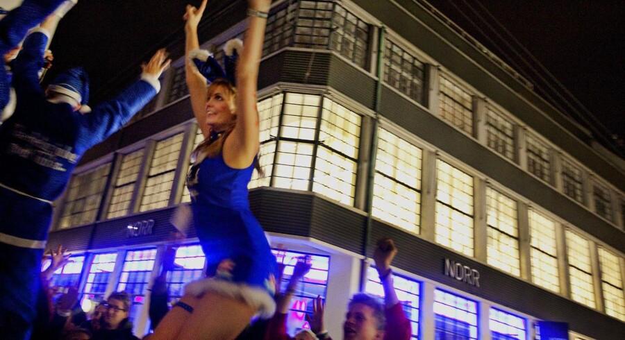 Den såkaldte J-dag, hvor Carlsbergs juleøl bliver frigivet, har efterhånden udviklet sig til en tilbagevendende festdag. Her ses fejringen i 2009.