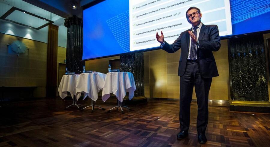 Danske Bank koncernen med Eivind Kolding i spidsen for sænket udsigterne fra kreditvurderingsbureauet Standard & Poor's.