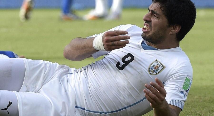 FIFA er klar med undersøgelse om karantæne til Suarez efter endnu et bid fra angriberen