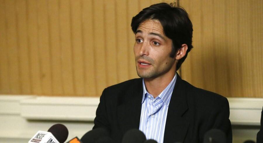 Den 31-årige Michael Egan taler på en pressekonference om sit sagsmål mod instruktøren Bryan Singer, som han beskylder for at have voldtaget ham, mens han var mindreårig. Foto: ReutersMario Anzuoni