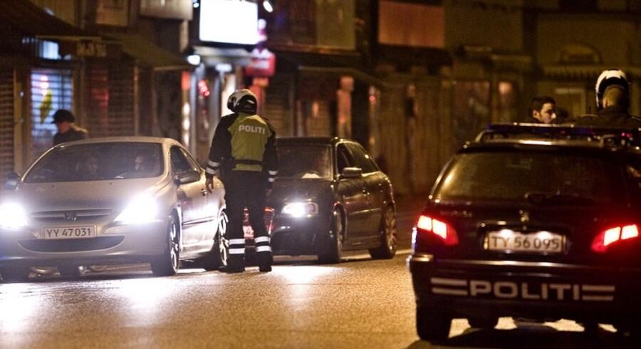 Politiet overvåger 26 personer, der menes at udgøre inderkredsen i banden fra Blågårds Plads.