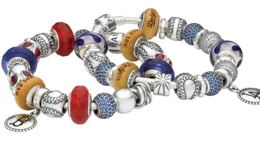 Red Sox, Dodgers og Yankees. I Fremtiden kan de amerikanske baseball fans købe smykker til deres Pandora armbånd med deres favorit baseballholds logo.