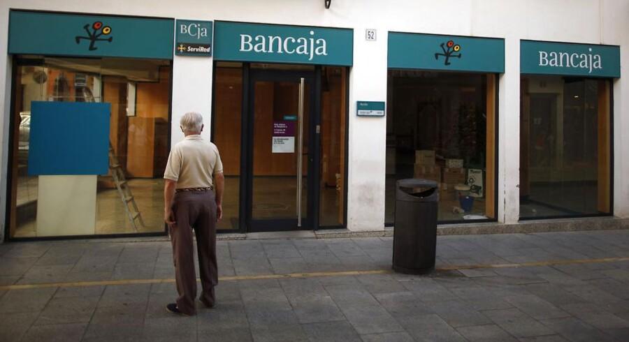 Spanien er et af de europæiske lande, der har oplevet mange filiallukninger sidste år. Her det byne Ronda, tæt på Malaga, at bankkunderne må vænne sig til nye tider.