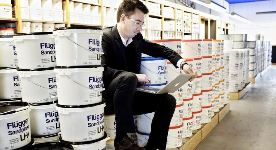 Flügger øgede omsætningen fra 1759 mio. til 1874 mio. kr. Her ses direktør for forretningsudvikling, Kasper Søvsø, ved lanceringen af Flüggers webshop i 2010.