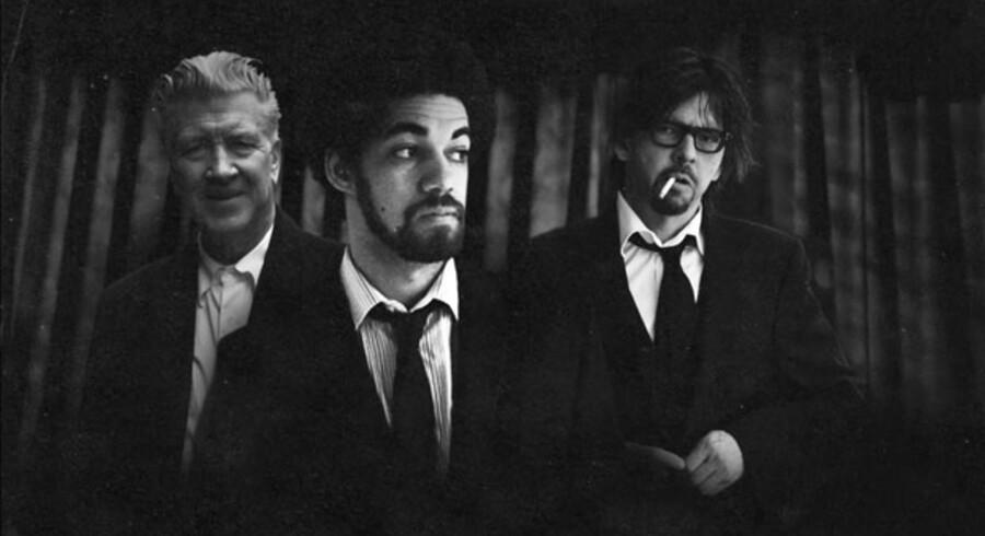 Mesterinstruktøren David Lynch (tv.) synger forbløffende godt på albummet, som Danger Mouse og Sparklehorse har stykket sammen på skønneste vis.