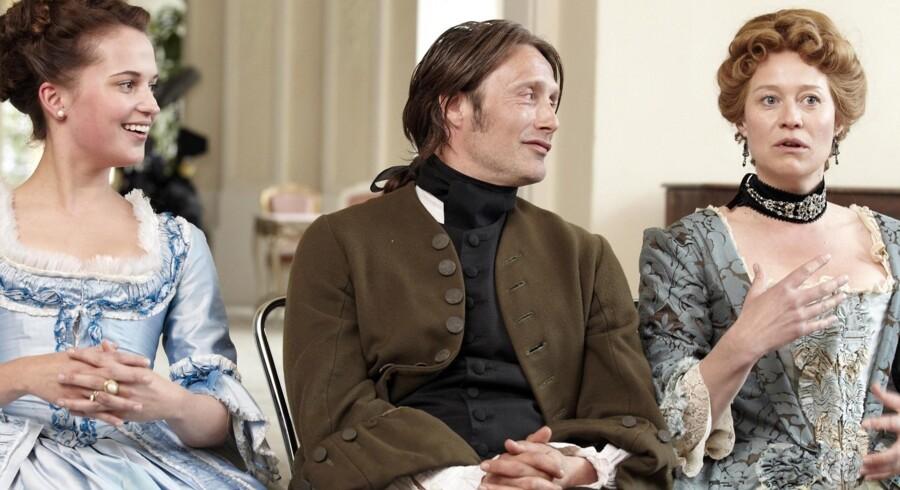 """Alicia Vikander, Mads Mikkelsen og Trine Dyrholm medvirker i filmen """"En Kongelig Affære"""", der er netop er blevet Danmarks officielle bud på en Oscar-vinder."""