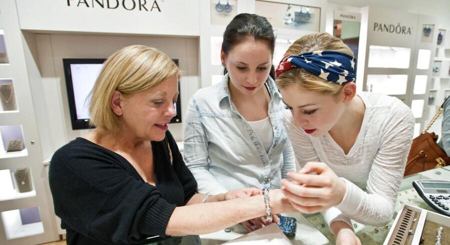 Andelen af kunder, som købte smykker i weekenden omkring »Black Friday«, er højere i år end sidste år.