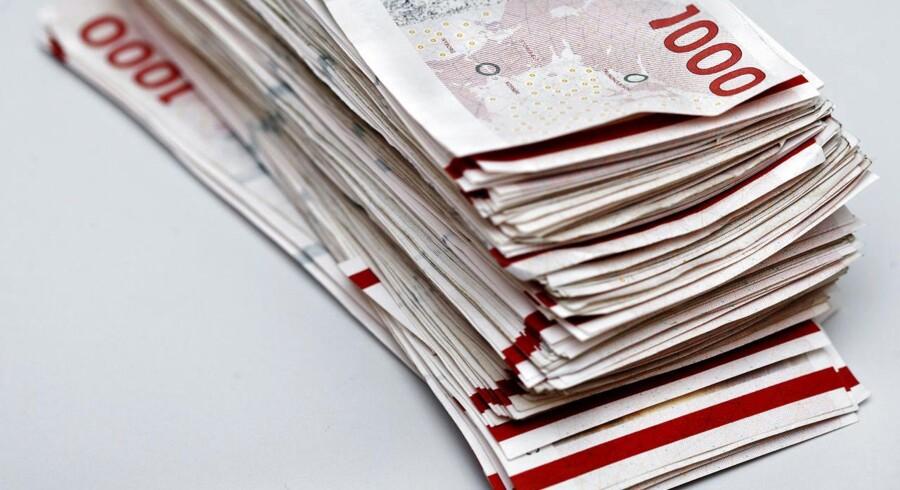 »Der er kommet røre om at tilbyde opsparingskonti, hvor formålet er, at man lader pengene stå i flere år, men hvor opsigelsesperioden kun er en enkelt måned. Det er nyt på markedet og attraktivt for forbrugerne, at de med kort varsel kan flytte deres penge,« siger Lars Baadsgaard, økonom i Forbrugerrådet Tænk.