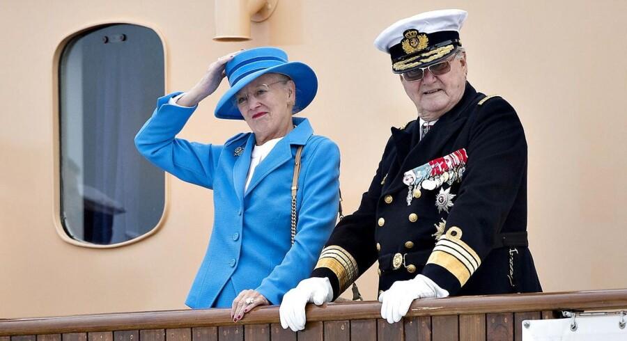 Dronning Margrethe og prins Henrik lagde i dag til kaj i Skagen Havn, hvor de i løbet af dagen besøgte blandt andet Skagen By- og Egnsmuseum og holdt reception på kongeskibet 'Dannebro'.