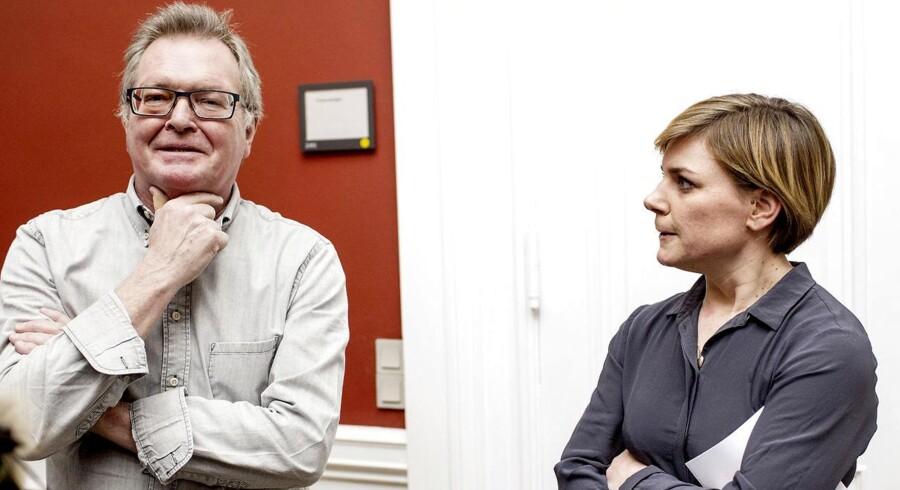 Nets-salget vækker fortsat bekymring i Folketinget - ikke mindst for Enhedslistens Frank Aaen og Stine Brix, der finder det særligt bekymrende, at kapitalfonden Bain Capital ligner en kommende ejer.