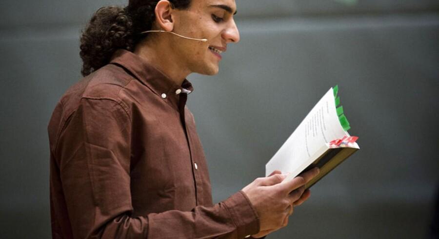 Den 18-årige digter Yahya Hassan læste for nylig op af sine digte på H. C. Andersen Skolen i Vollsmose.